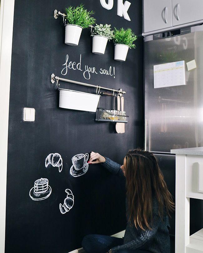 Diy Como Crear Una Pared De Pizarra Para Decorar Tu Cocina O Tu - Pizarra-decoracion-pared