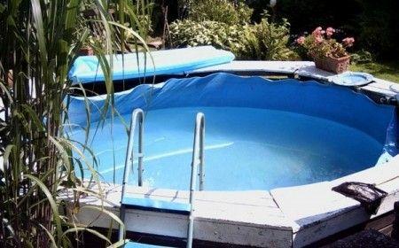 Kleine Gartenhäuser sind super beliebt! #poolselberbauen Garten Pool selber bauen - eine verblüffende Idee! #poolselberbauen