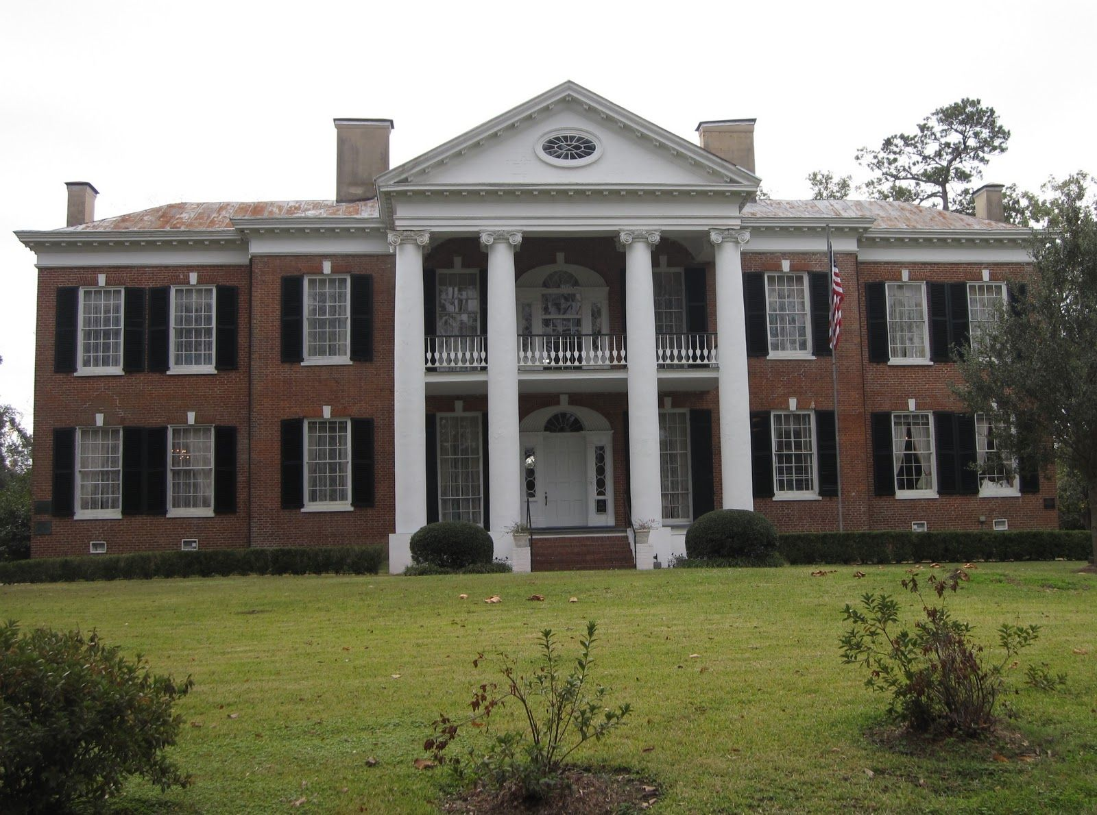 Mississippi antebellum plantation homes of the for Home builders in mississippi