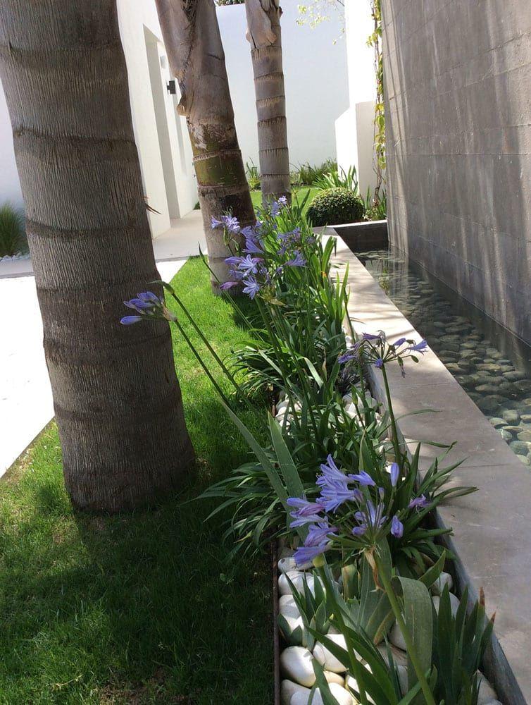Jardines de estilo por beatrice perlac adarve jardines for Jardines con estilo
