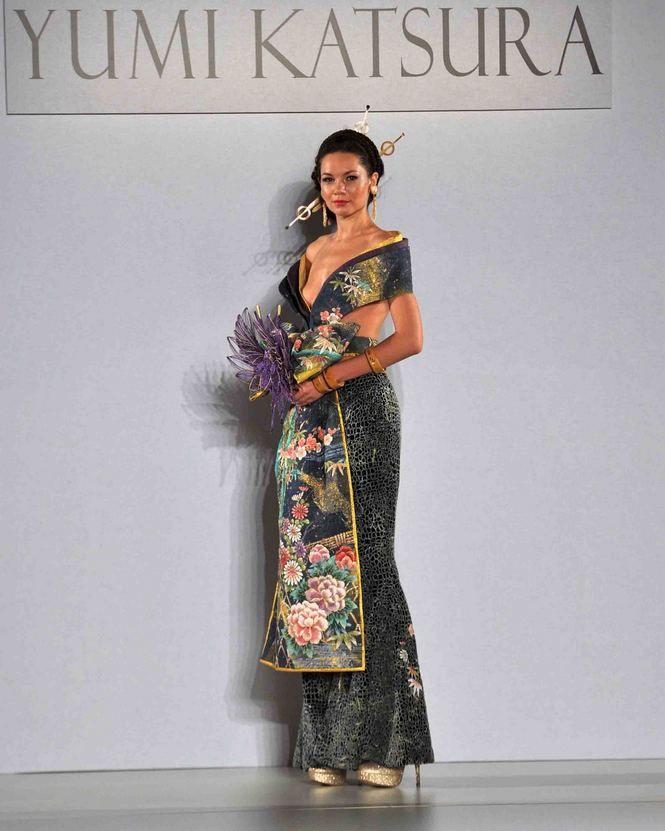 Anese Designer Yumi Katsukra At New York Bridal Fashion Week Photos By
