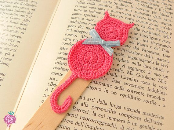 crochet bookmark pink cat by ravanelloshop on etsy bookmarks. Black Bedroom Furniture Sets. Home Design Ideas