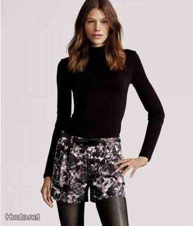 Kukkakuviolliset shortsit / Shorts with flower pattern