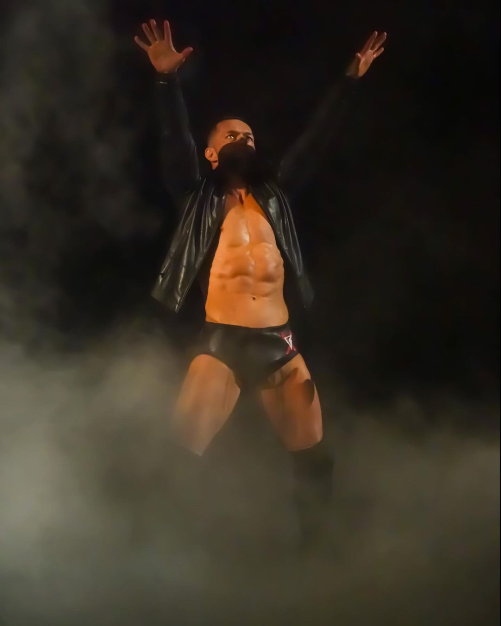 James S No Instagram Hey Everyone Here S Some More Old Photos Of Mine How You All Have A Great 2021 Enjoy Wwe Nxt W In 2021 Old Photos Photo Finn Balor
