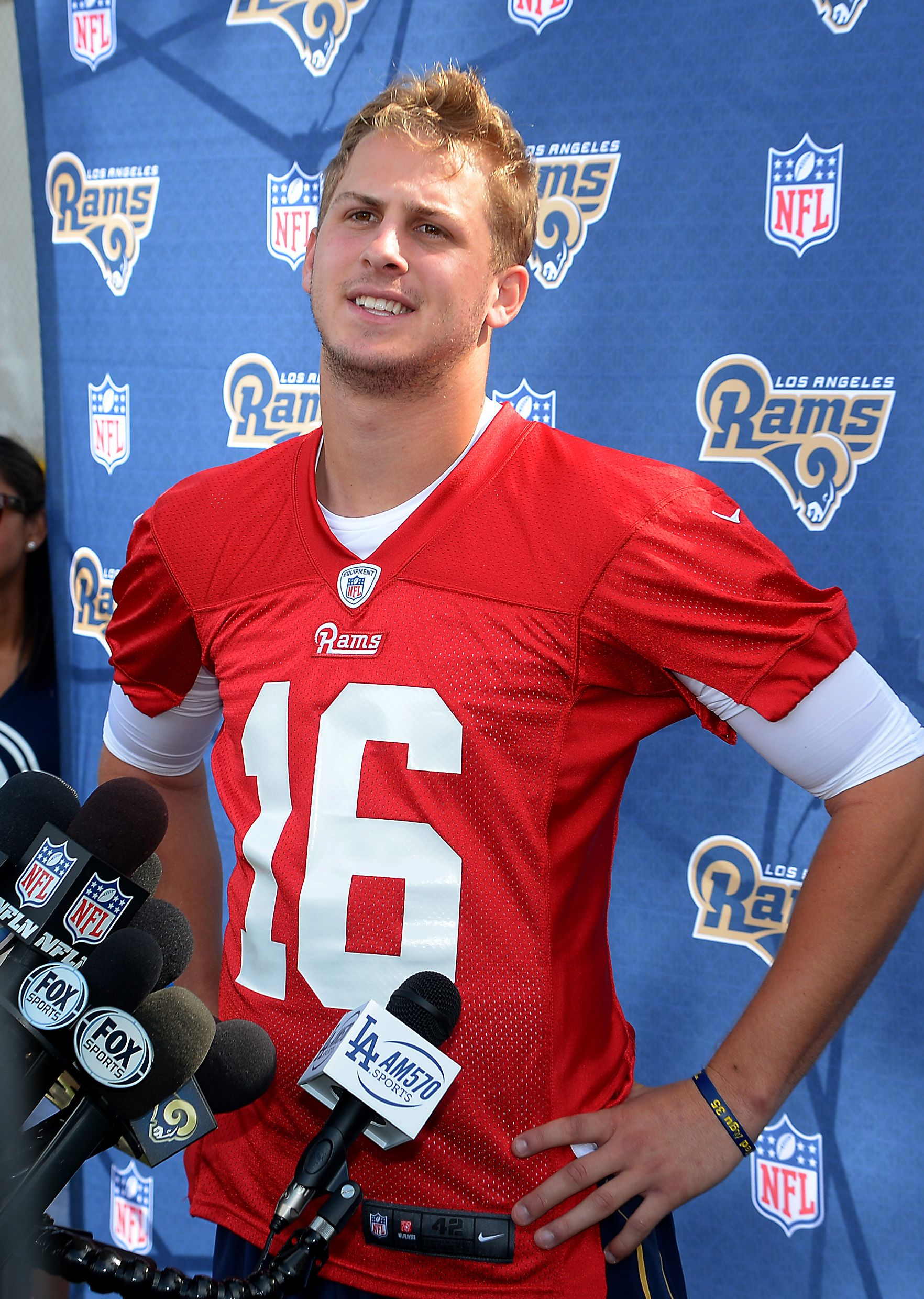 May 6 2016 Oxnard Ca Usa Los Angeles Rams Quarterback Jared Goff 16 Talks To The Media After The Day S Rookie Minica Jared Goff Blonde Guys Sports Coach