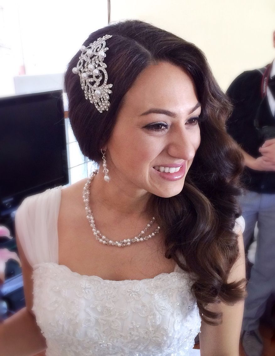 side swept bridal hairstylebridal hair couturekatie