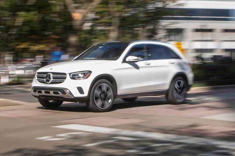 سعر مرسيدس بنز Glc الجديدة لعام 2020 يبدأ من 42 500 دولار لنمط الهيكل القياسي وسعر 50 000 دولار للكوبيه ليست أعلى أسعار البدء في فئة سيارات In 2020 Sport Cars Car Suv