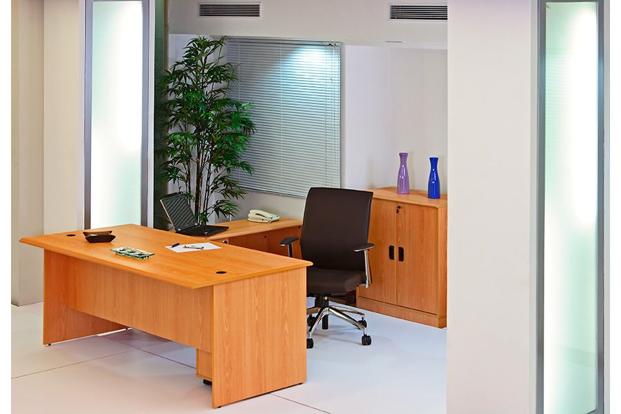Featherlite presents executive office tables of supreme quality. Conference and meeting tables, office desks available at reasonable rates - Office desks