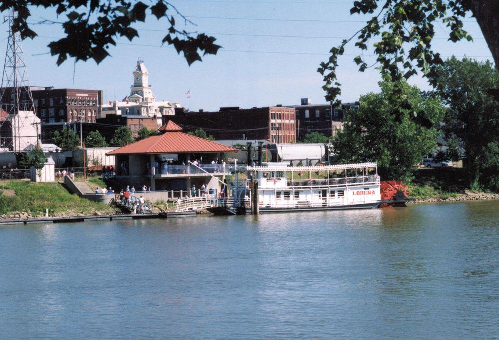 The Lorena Sternwheeler Docked In Downtown Zanesville Places To Go Zanesville Ohio Zanesville
