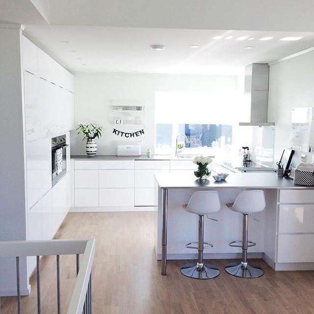 u-form küche weißes Schranksystem und helles Parkett Home - küchen u form