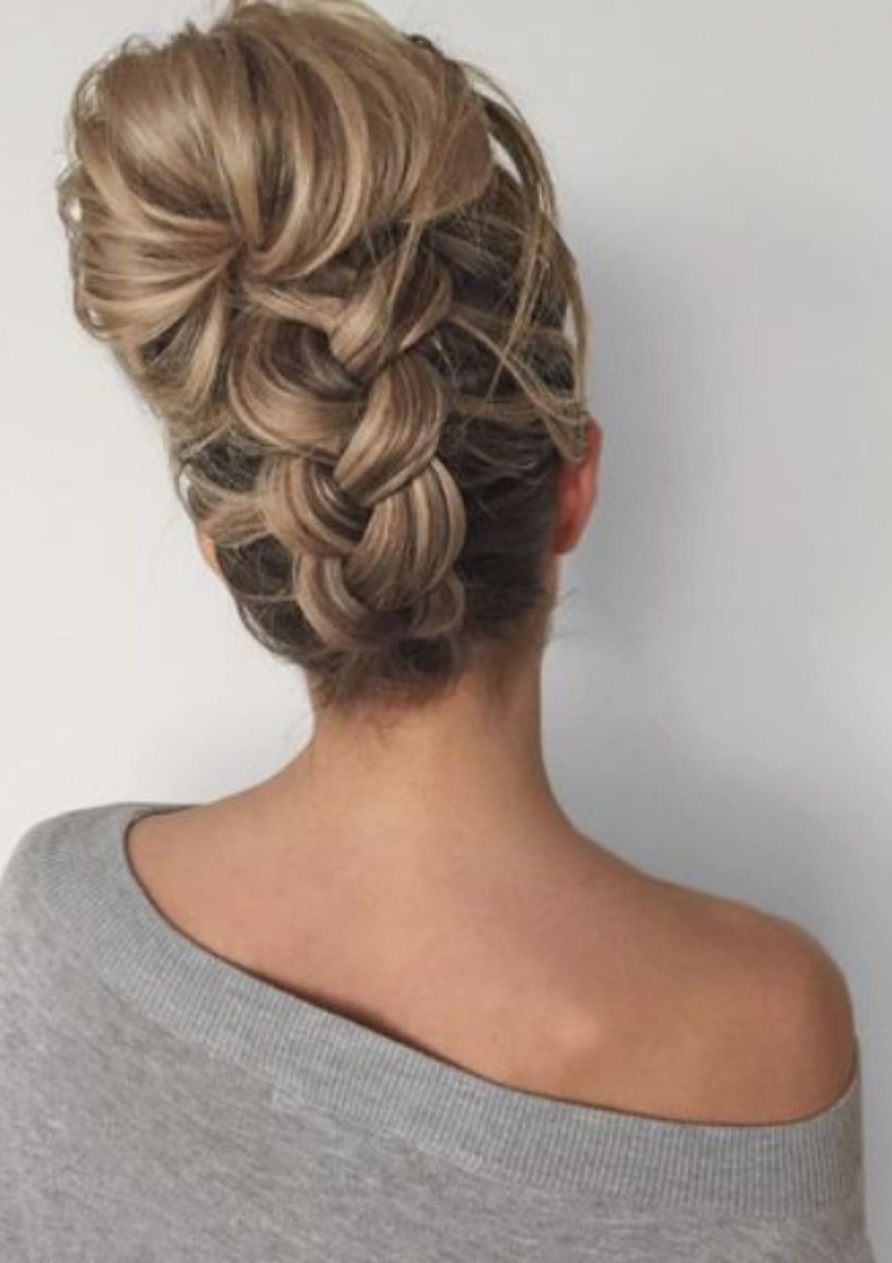 Pin by sherri tyler on makeuphairnailsuc pinterest hair