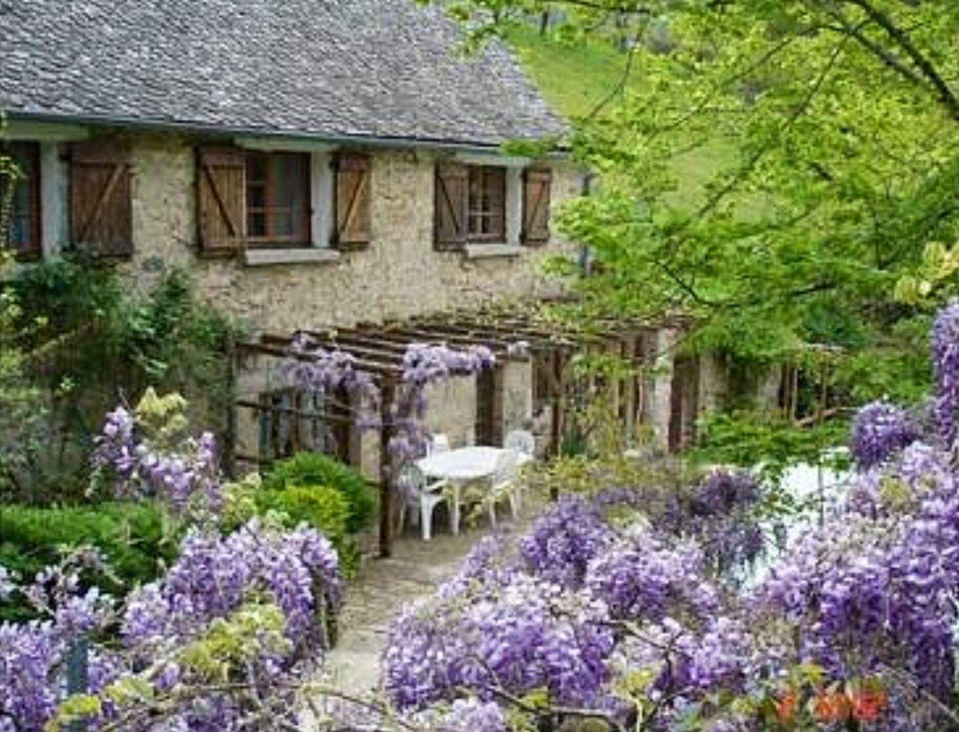 Wisteria Cottage French Cottage Garden Haus Und Garten Franzosisches Landhaus