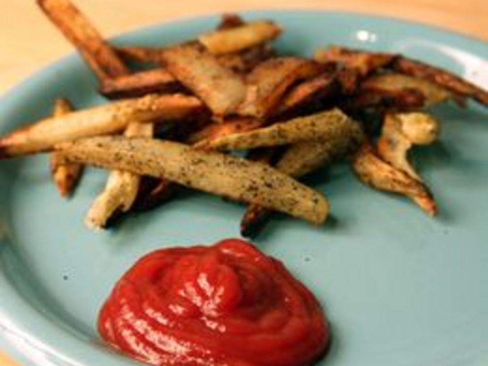 How to reheat fast food french fries quick and crispy