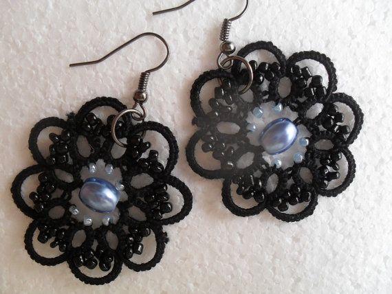 Tatted earrings, lace jewelry, rocker earrings, gothique jewelry, black earrings, tatting, carmentatting