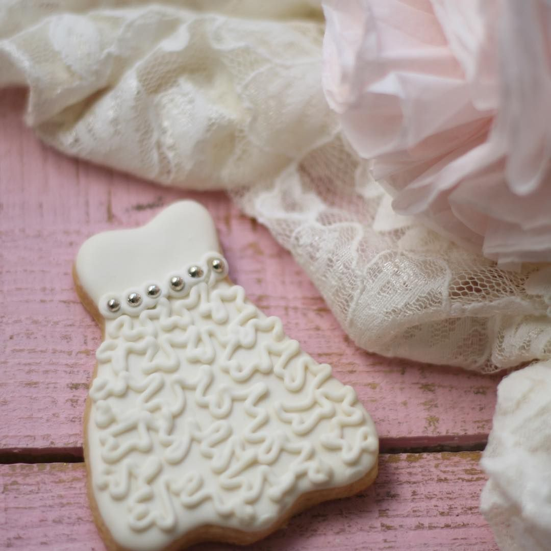 Say yes to the dress... cookies 👰 #wedding #cookies #ButterLove