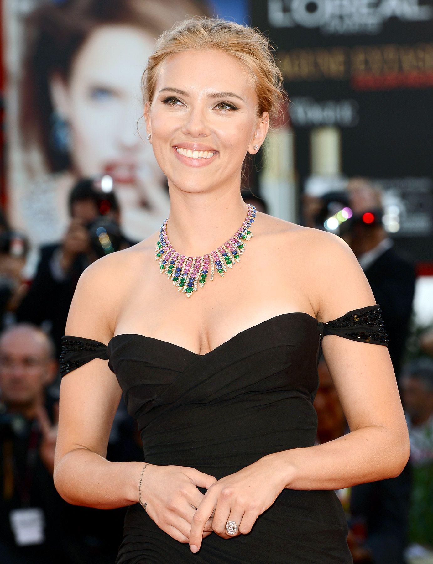 Best Celeb Engagement Rings Ever Scarlett johansson
