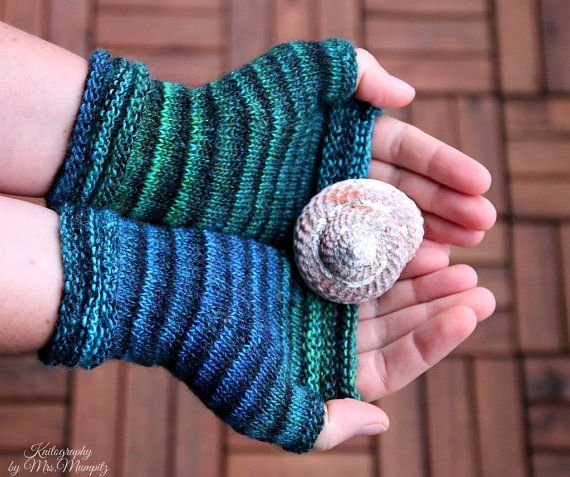 Fingerless mittens Stripesation 4 handknit by KnitographyByMumpitz