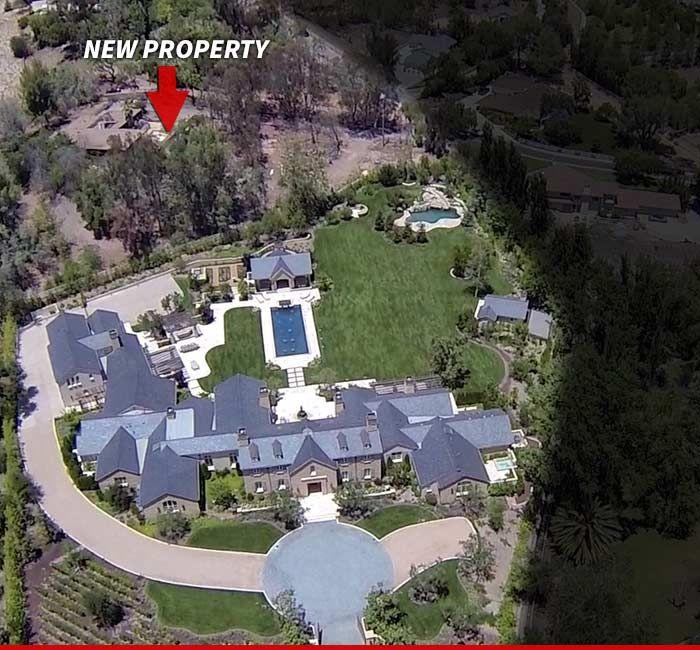 Kim Kardashian Kanye West S New Property Is Insane Kim Kardashian And Kanye House Purchasing Kim Kardashian Kanye West