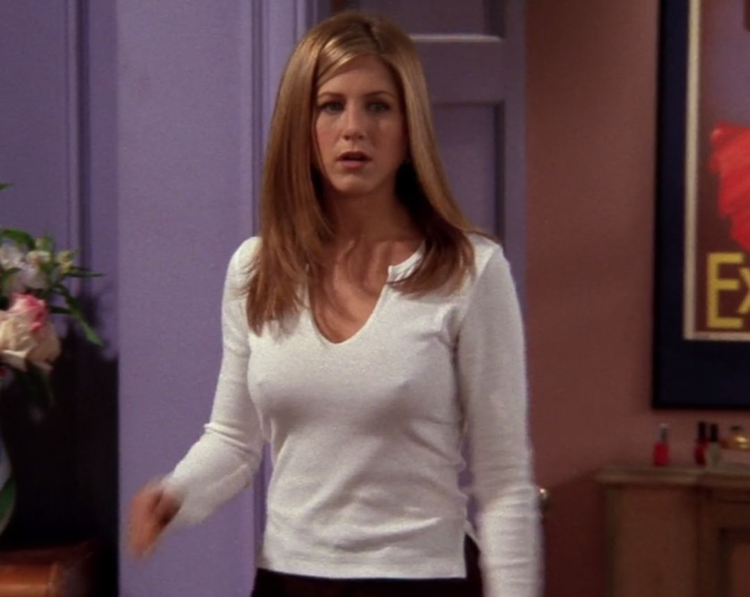 Jennifer Aniston's Nipples Are The Most Underappreciated Easter Egg in Friends | moviepilot.com