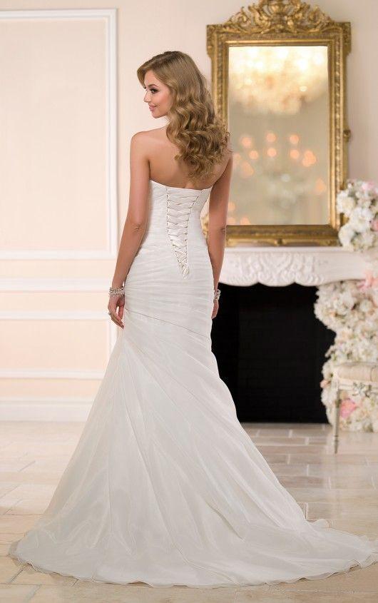 6042 Sweetheart Neckline Wedding Dress By Stella York