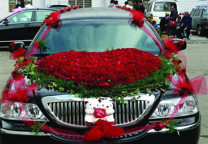Pin By Mary Kittle On Wedding Wheels Car Deco Wedding Car Decorations Wedding Car Wedding Car Hire