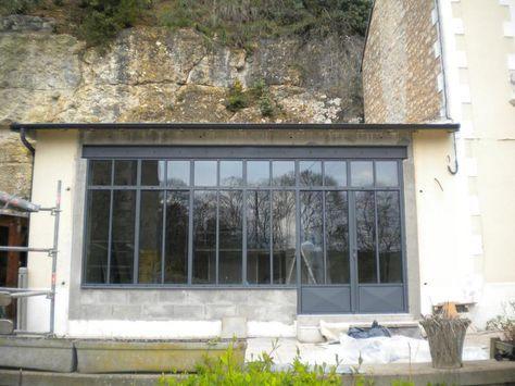 Cette maison avec verri re aurait besoin d 39 une r novation for Verriere metallique cuisine