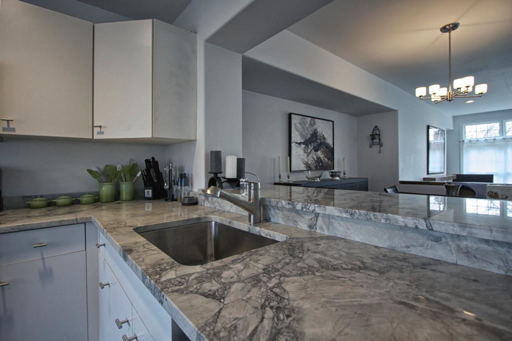 White Vermont Quartzite | Super White Quartzite Kitchen Countertops   Love  This, But Can I Do A Dfferent Back Splash?