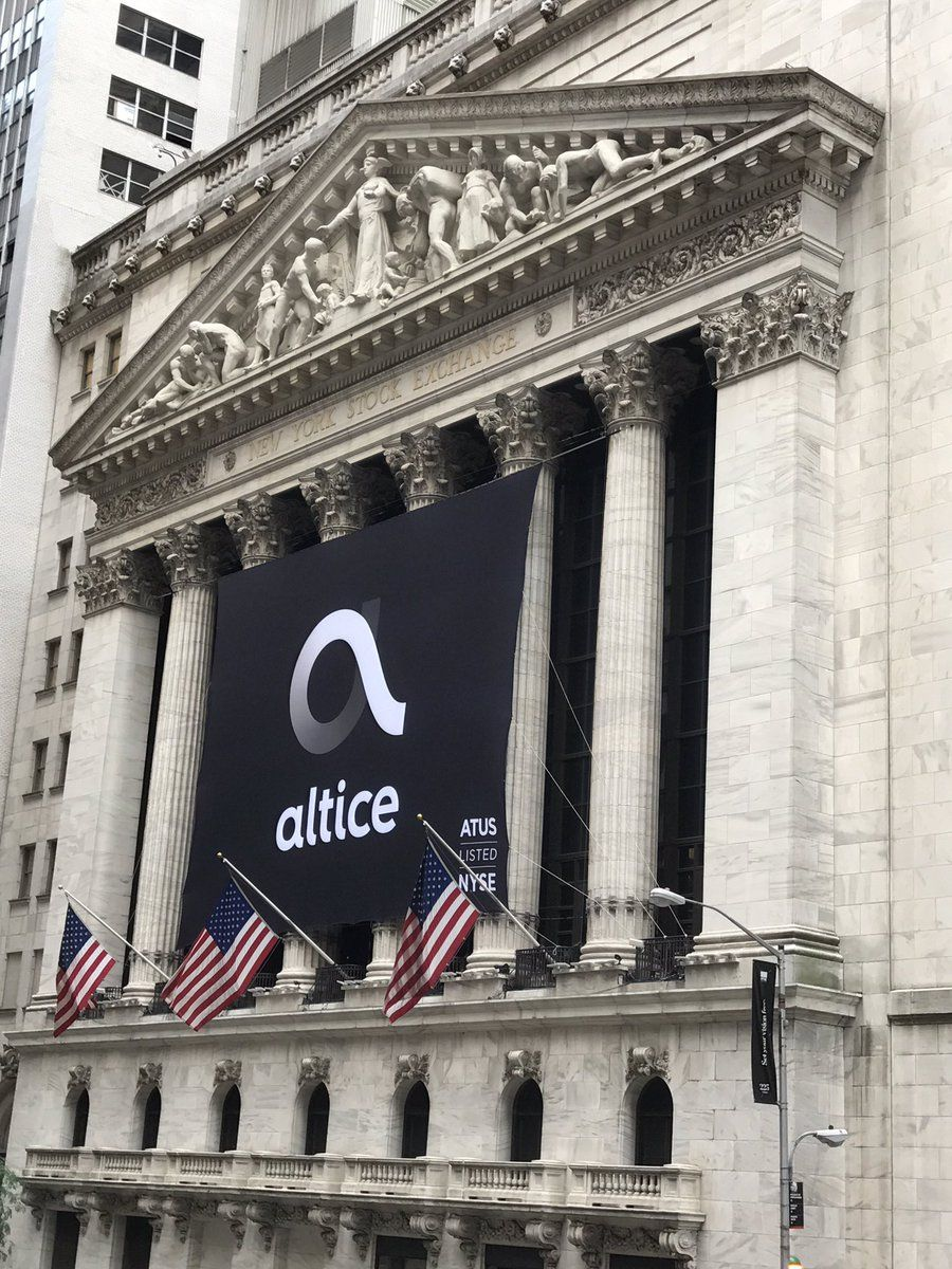 Altice IPO Facade, Good company, Banner