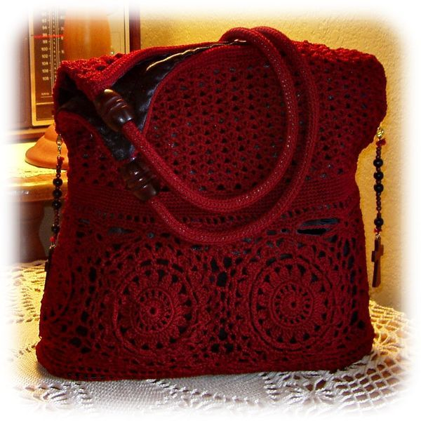 Red Russian purse with black lining