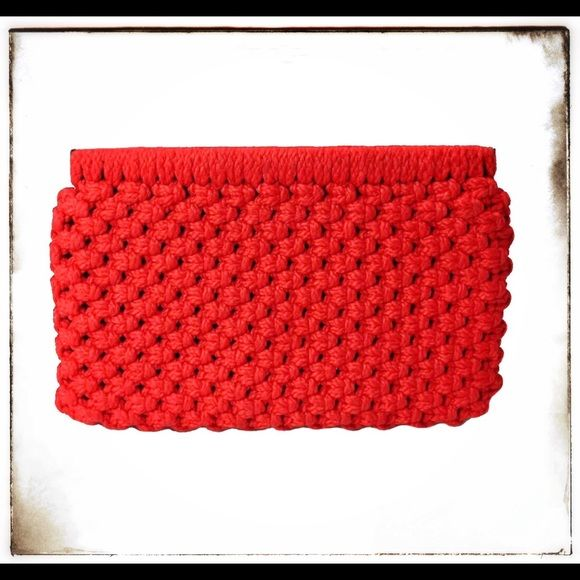 """Vintage Red 1970s MACRAME Spring Top Clutch -Vibrant Red Macrame Spring Top Clutch -1970s Era -Red Interior Lining -Excellent Vintage Condition -Approx. 13"""" Length x 6.5"""" Height Vintage Bags"""