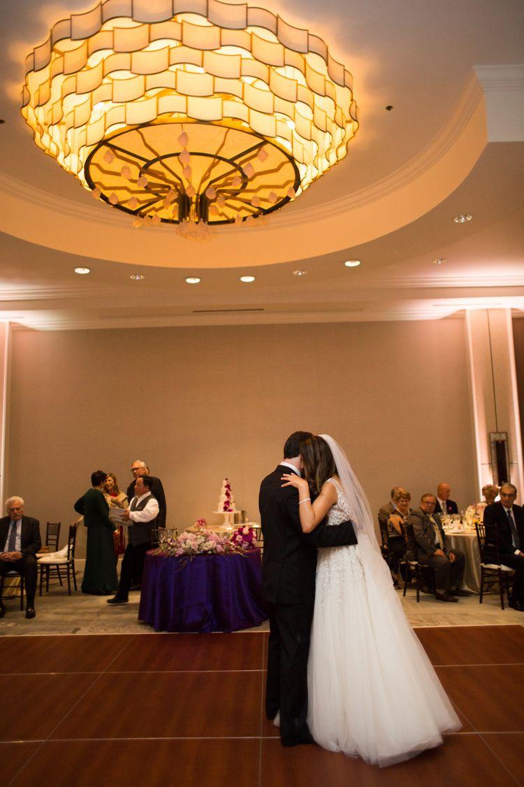 An Elegant And Modern Ballroom Wedding At The Four Seasons Austin