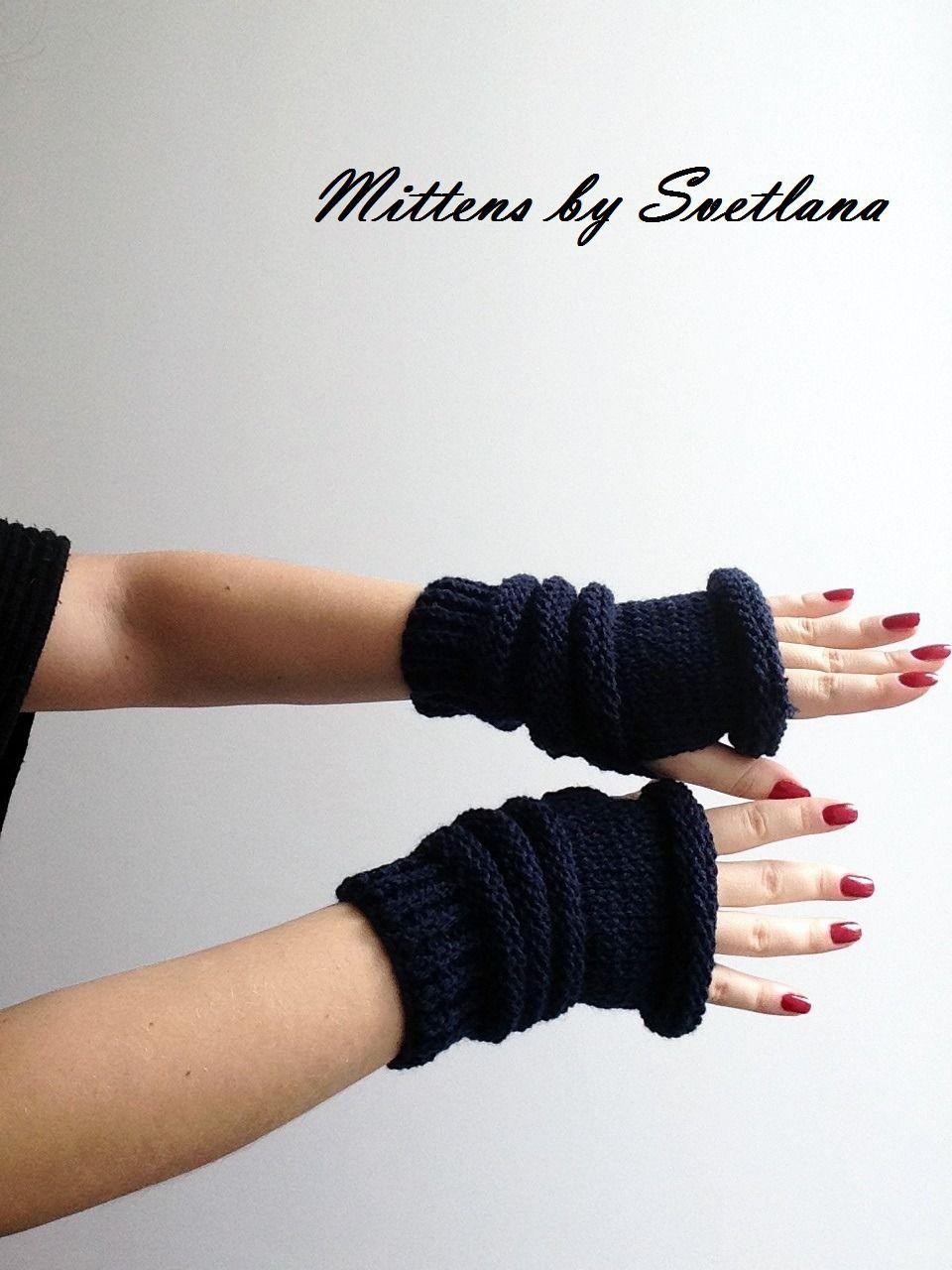 Mitaines en acrylique bleu pétrole : Mitaines, gants par creations-fait-main-divers   Mitaines ...