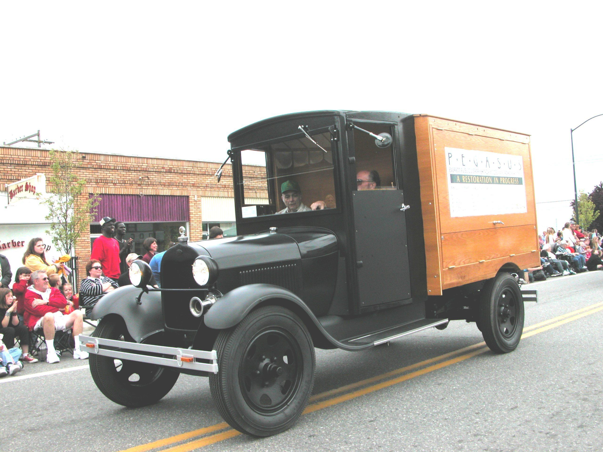 A Brief History of American Bookmobiles...in Pictures. http://bookriot.com/2012/07/12/a-brief-history-of-american-bookmobiles-in-pictures/