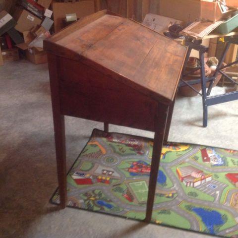 Antique flip top desk circa 1800s and miscellaneous items. | desks | Ottawa  | Kijiji - Antique Flip Top Desk Circa 1800s And Miscellaneous Items. Desks