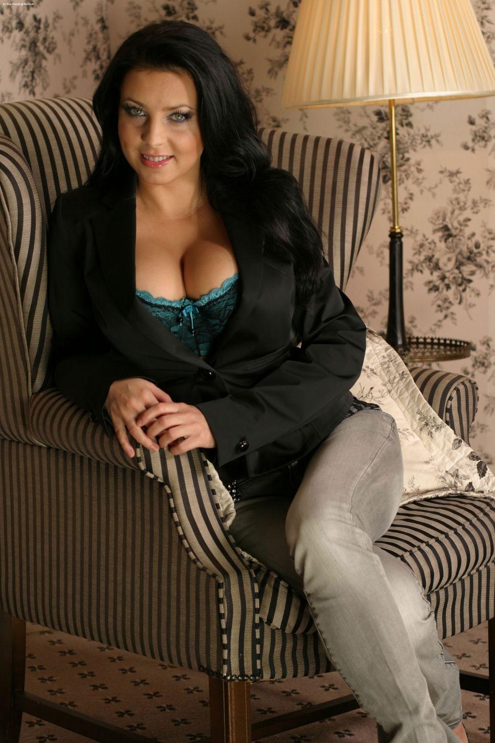 Ewa Sonnet | Sonnets, Curvy beauty, Stunning women