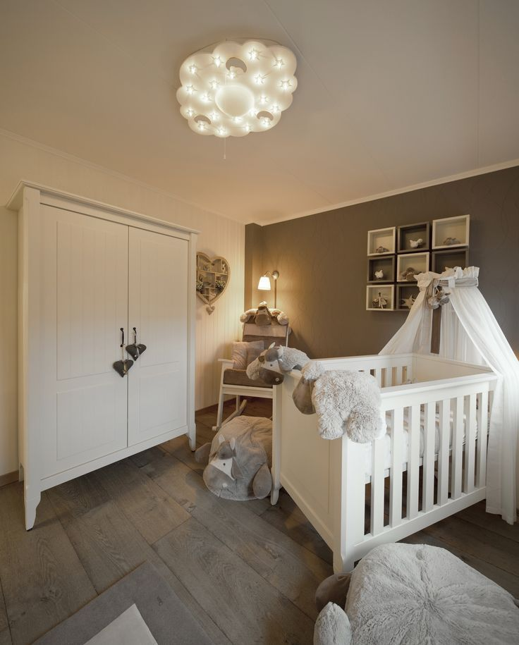 babykamer taupe  Huis in 2019  Baby bedroom Baby room