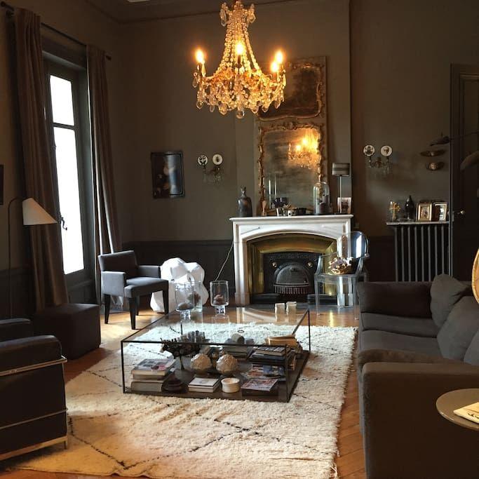 Sjekk ut dette utrolige stedet på Airbnb: La vie de Manoir à Collonges au Mont d'Or ! - Slott til leie i Collonges-au-Mont-d'Or