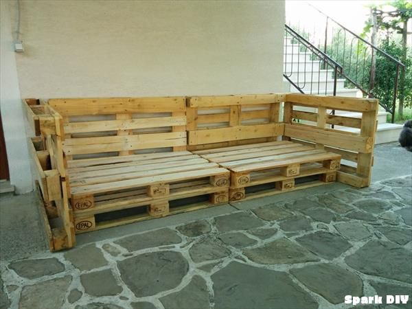 How To Build A Comfortable Pallet Sofa In 3 Simple Steps