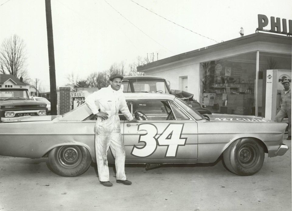 Wendell Scott Was The First African American Nascar Driver He Raced Against Other Legends Of The Sport Such Wendell Scott Hot Rods Cars Muscle Old Race Cars