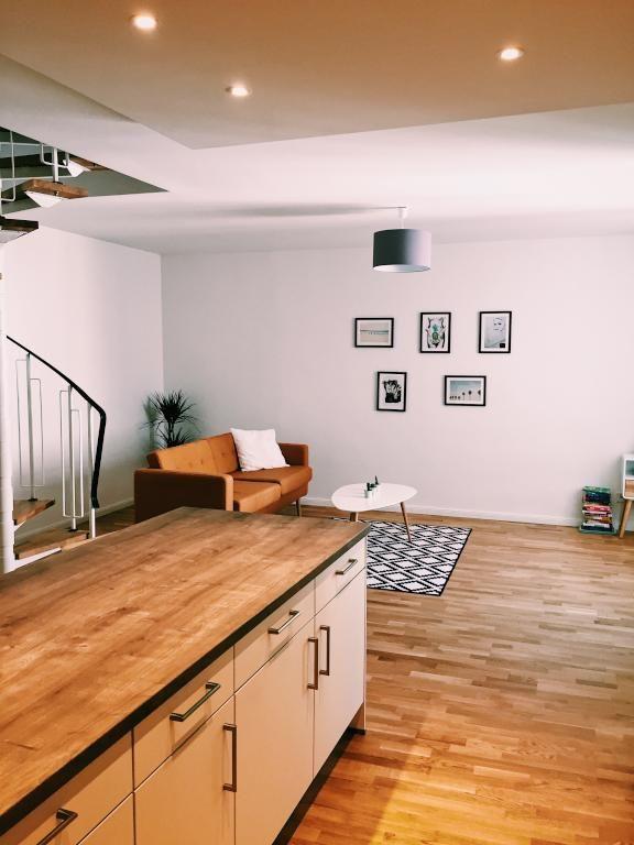 Ein schickes, sehr modernes Wohnzimmer! Eine Designer Lampe und die - lampe für wohnzimmer
