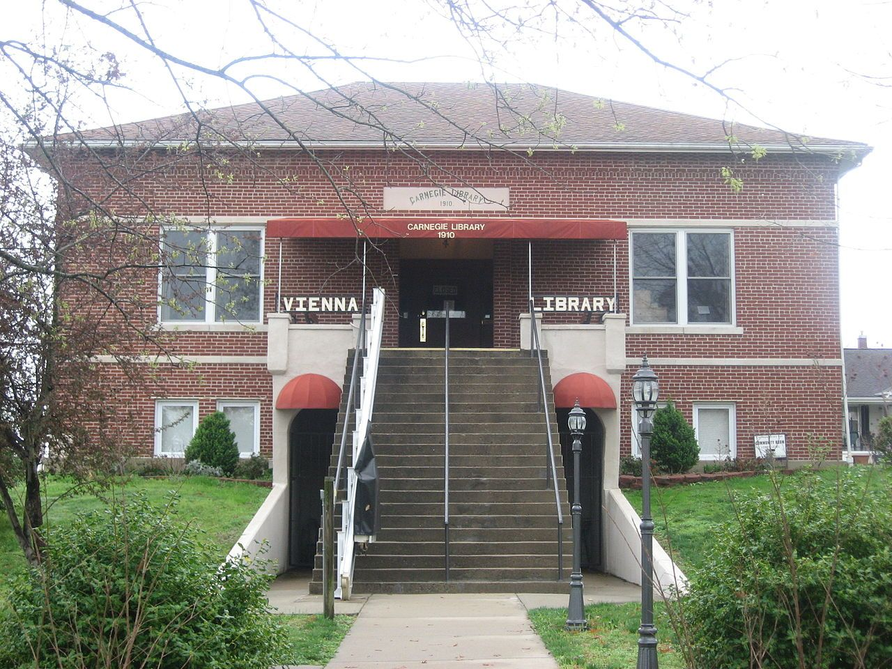 Vienna Public Library in Johnson County, Illinois.