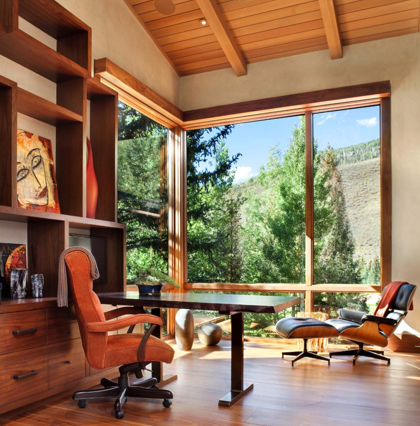 This captivating and expansive three story modern mountain