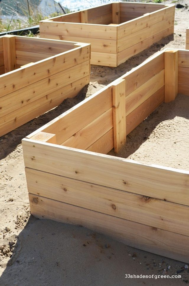 Easy Diy Raised Garden Bed Tutorial 33 Shades Of Green 400 x 300