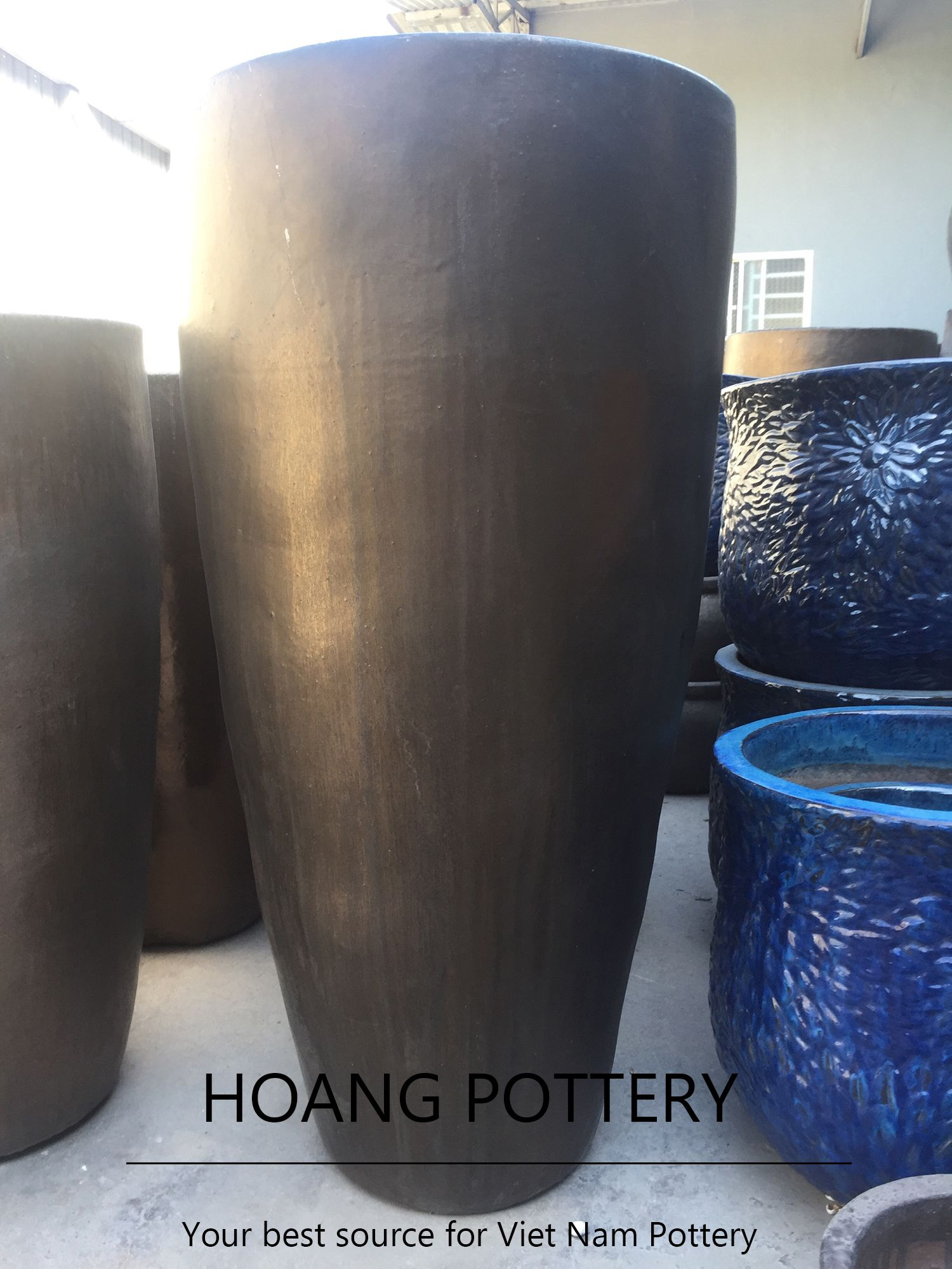 ceramic garden ideal online g outdoor patch decoration ideas water platers oval pottery planters pots metallic with planter white bathroom egg tub tall copper large tight plant and