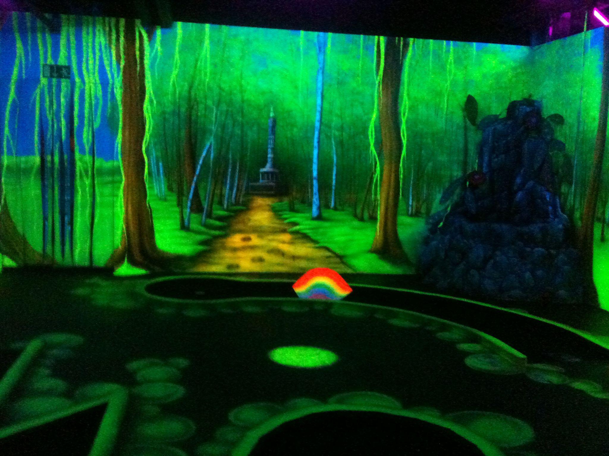 Gorlitzer Park glow-in-the-dark crazy golf, Berlin  :)