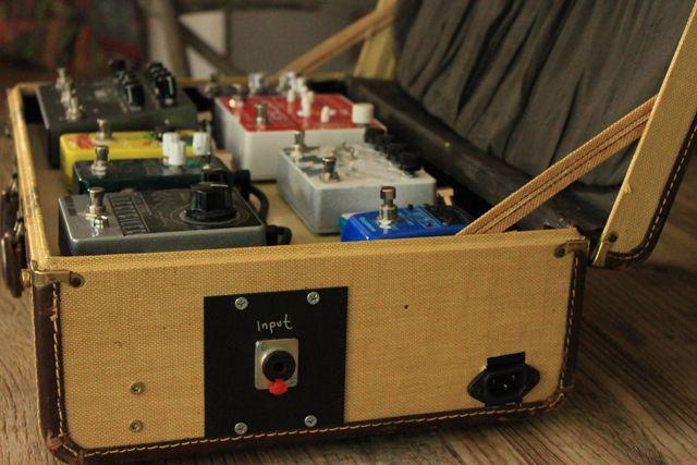 Cool suitcase board. #geartalk | Pedalboard, Guitar pedal ...