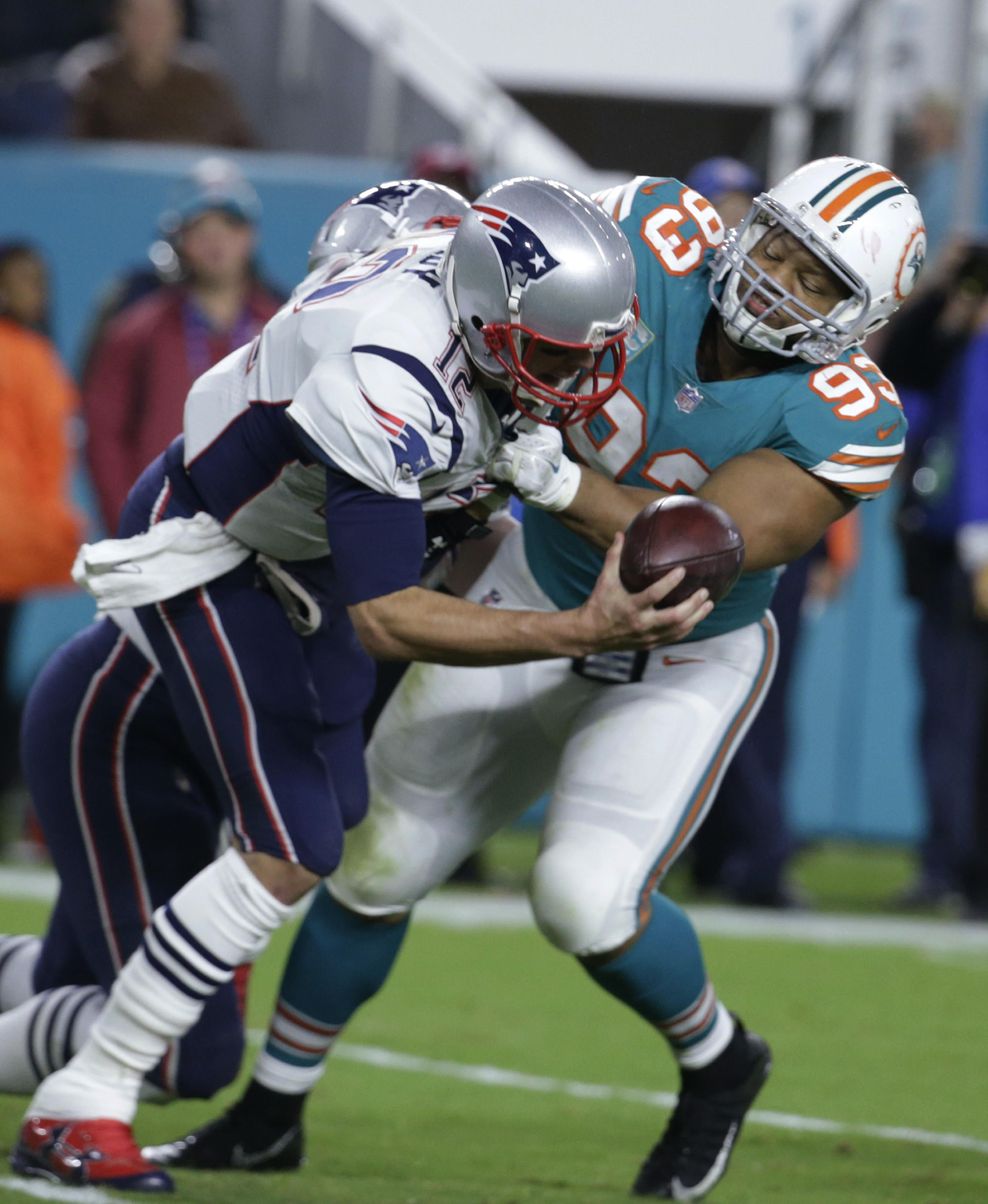 Dolphins Dominate Patriots Denying Them Chance To Clinch Playoff Berth Miami Dolphins Patriots Dolphins Dolphins