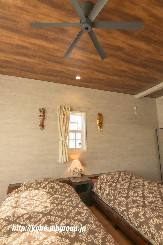アジアンリゾート気分 大人の寝室で寛ぐ時間 あなたの想いを形に メープルホームズ神戸施工例 ベットルーム インテリア 家 寝室 壁紙 アクセント