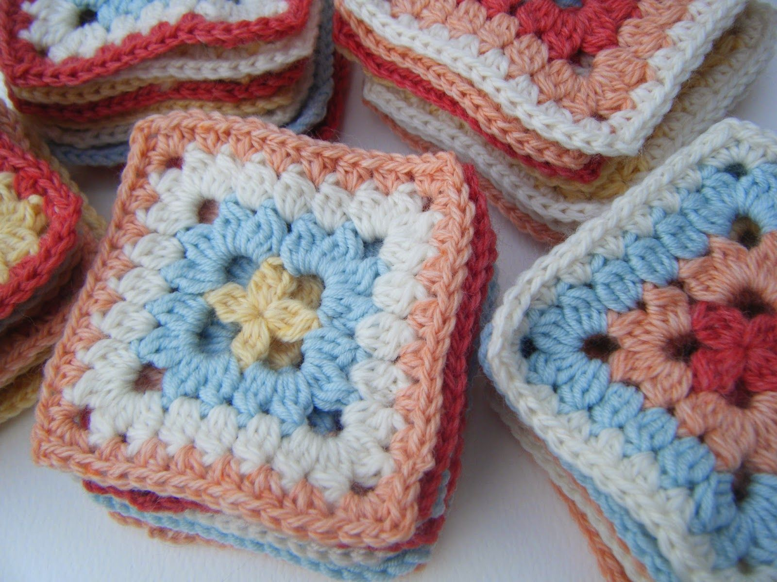 Betsy makes betsymakes patterns squares and motifs square blanket betsy makes betsymakes patterns free crochet bankloansurffo Image collections