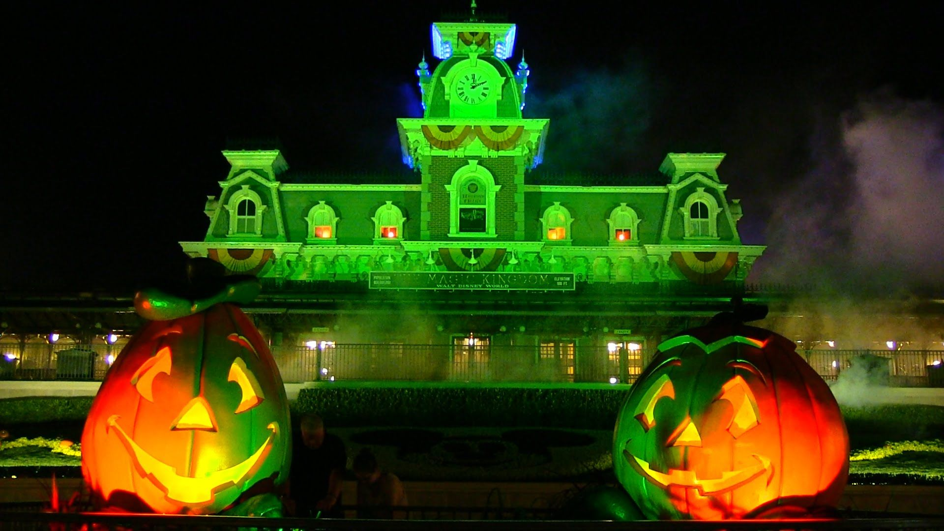 2014 mickey's not-so-scary halloween party overview | trip